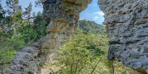 Window-Cliffs-Chuck-Sutherland-900x450