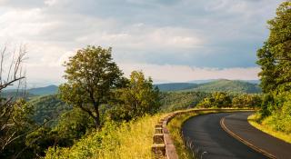 Blue-Ridge-road-vista_1140-header_2280_1248_75_s_c1_c_c